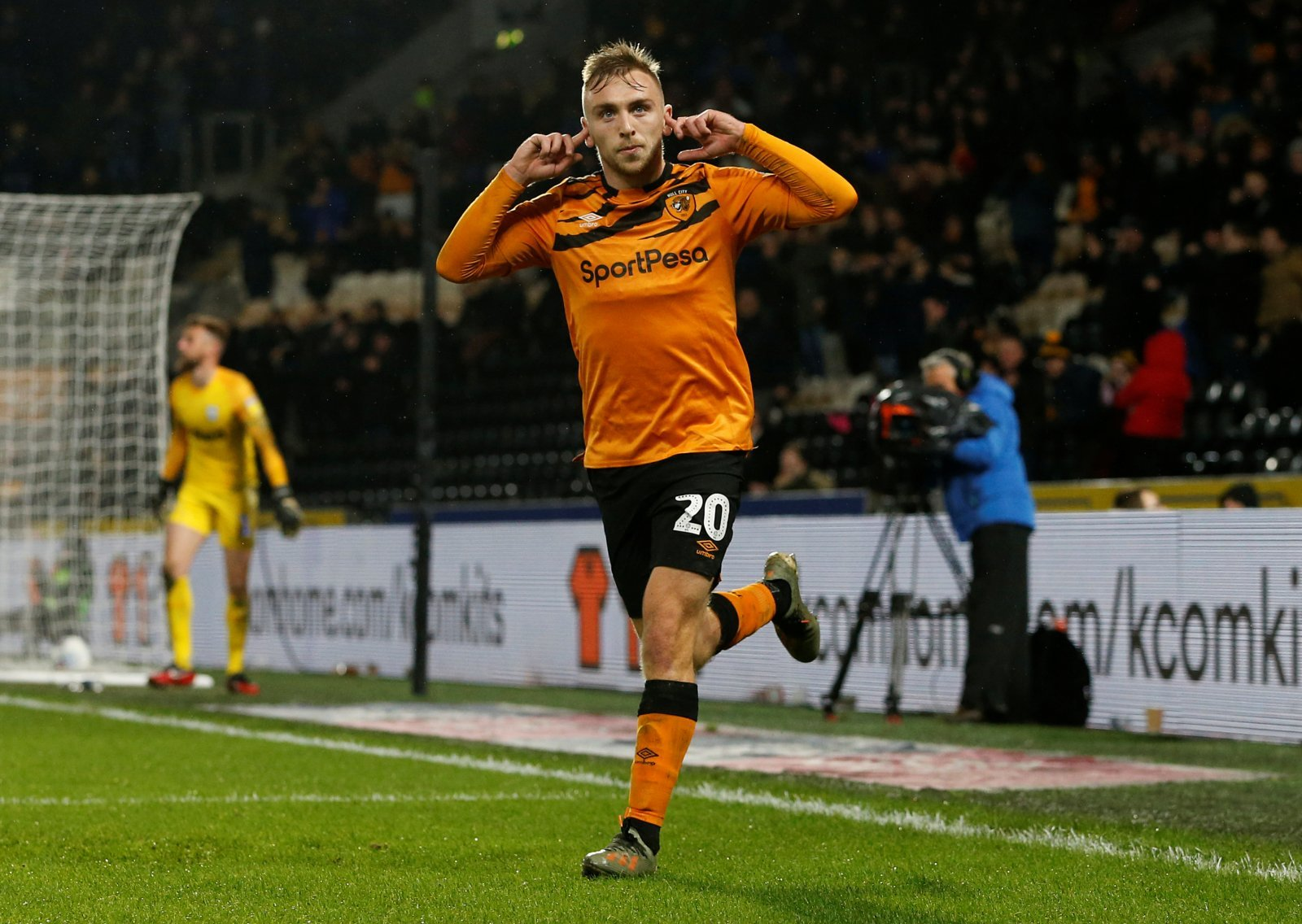 Please don't go', 'Welcome' - Hull City's Jarrod Bowen message has sparked  a reaction with these fans | Football League World
